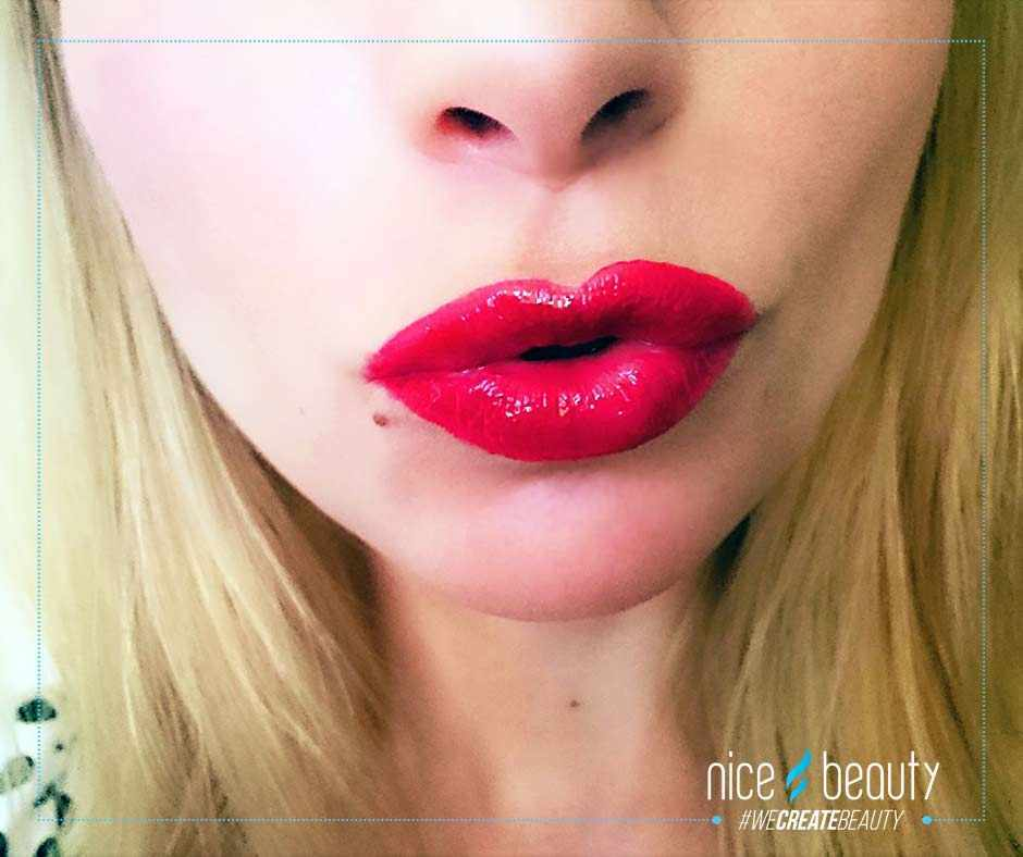Fabulous red, glossy lips