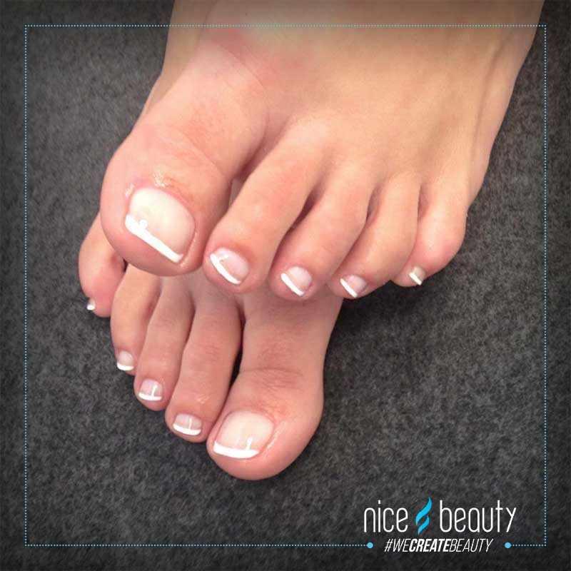 tørre tånegle