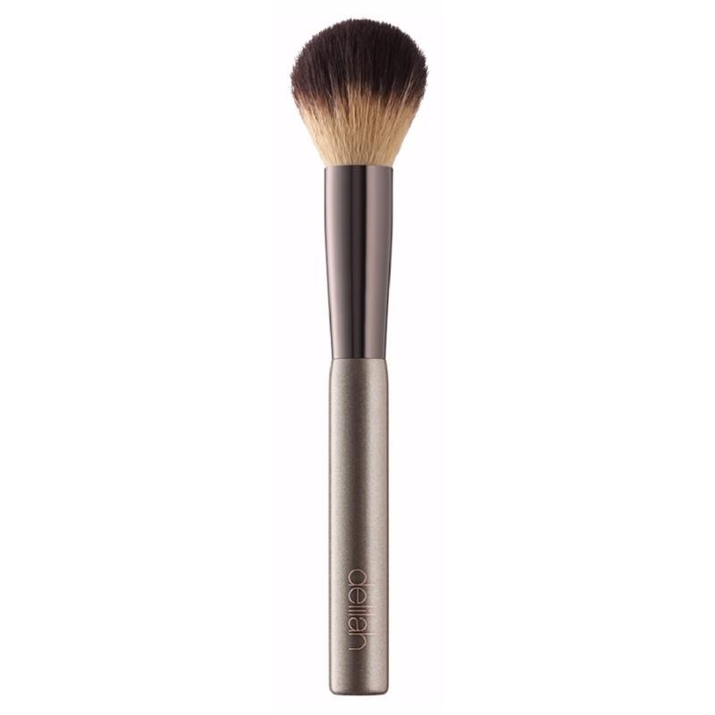 Delilah cosmetics – Delilah concealer blending brush fra nicehair.dk